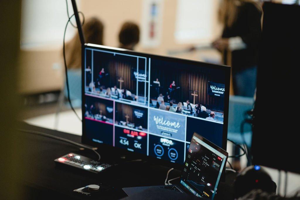 Livestream Operator